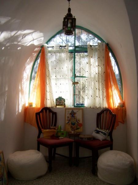 tulip thrones SAFED 2008-9